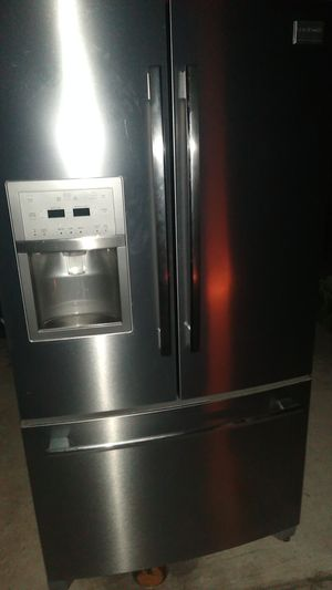 Frigidaire professional for Sale in Tampa, FL