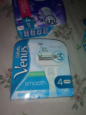 Venus razor blades in different styles just like swirl extra smooth sensitive smooth and other ones for Sale in Medley, FL