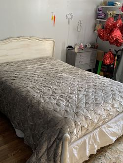 Bed Frame for Sale in La Verne,  CA