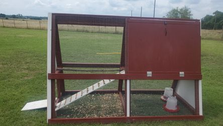 Custom painted portable chicken coops for Sale in Gatesville,  TX