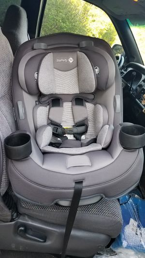 Safety 1st Grow and go 3-in-1 car seat for Sale in Fennville, MI