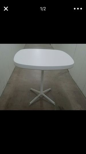 MCM SMALL KITCHEN TABLE $60 for Sale in Phoenix, AZ