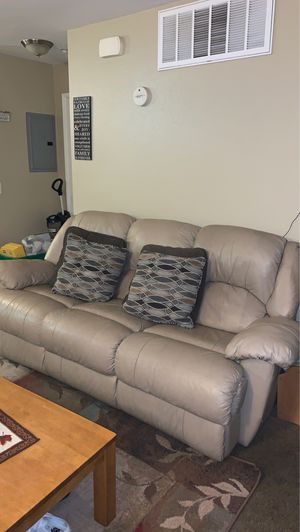 Couch $50 obo for Sale in Hesperia, CA