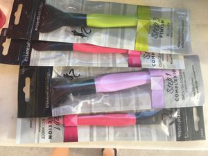 Make up brushes for Sale in Hesperia, CA