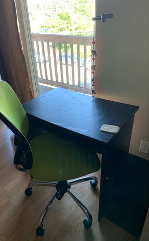 Desk with Chair for Sale in Seattle, WA