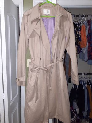 Tan women's trench coat for Sale in MONTGOMRY VLG, MD