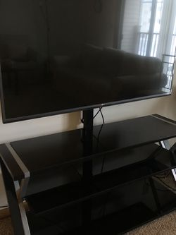 """55"""" LG ULTRA HD TV with TV Stand for Sale in Springfield,  IL"""
