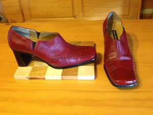 Used red with black stitching shoes-Brand is Henry Ferrera-Size 10 for Sale in Dunlap, TN