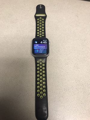 Apple Watch series 4 for Sale in Kansas City, MO