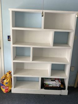 Beautiful Book Shelf. Very Sturdy And Heavy. for Sale in Port Richey,  FL