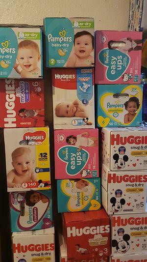 Pañales marca huggies y pampers $25 la caja con 3 wipes área 249 y bammel precio firme solo para recoger for Sale in Houston, TX