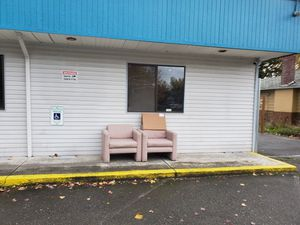 FREE chairs! for Sale in Tacoma, WA