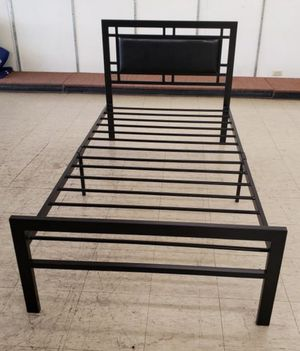 Twin Metal Bed Frame for Sale in Weslaco, TX