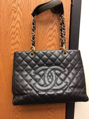 Authentic Chanel Grand Shopping Tote in gold for Sale in Garland, TX