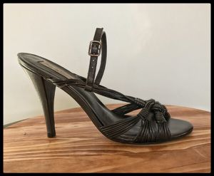 Pour La Victoire Shoes - Designer Black Leather Strappy Sandals for Sale in Annandale, VA