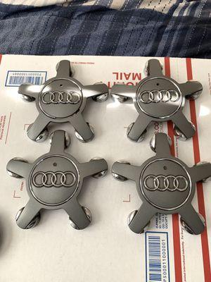 Audi Oem Wheel Centercaps Set Q5 Q7 for Sale in Glendora, CA