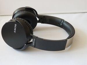 Sony bluetooth headphones great condition for Sale in Tustin, CA