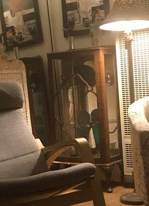 Antique curio cabinet for Sale in Los Angeles, CA