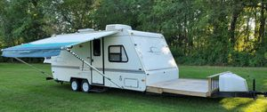 2OOO Camper Trailer for Sale in Dayton, OH