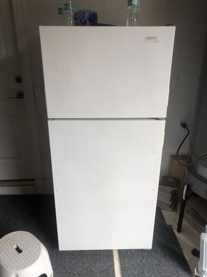 Whirlpool refrigerator and freezer. for Sale in Orlando, FL