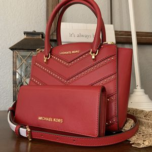 New MK red set price firm for Sale in Fort Worth, TX