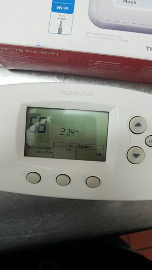 Thermostat honeywell for Sale in Bell, CA