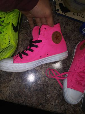 Brand new converse size 8 for Sale in Pataskala, OH