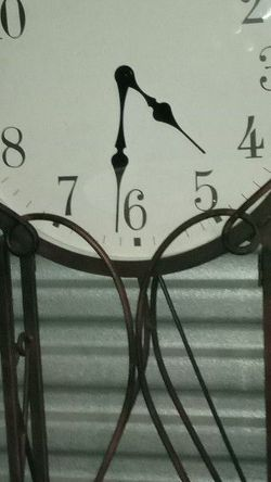Vintage Floor Standing Clock for Sale in Fort Myers,  FL
