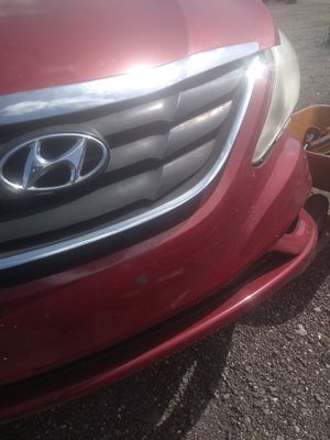 Hyundai soanta parts for sell 2011 for Sale in Pompano Beach, FL