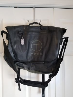Tumi Tech waterproof messenger bag for Sale in Seattle, WA