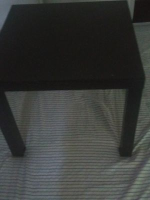 Free -2Black end tables free of scratches for Sale in Hayward, CA