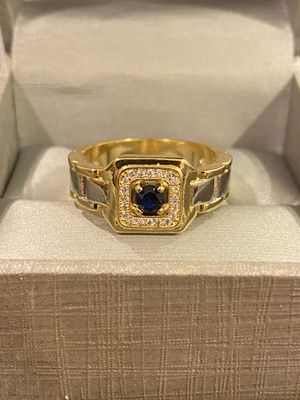 UniseX 18K Gold plated Luxurious Ring - Code GO20 for Sale in San Jose, CA
