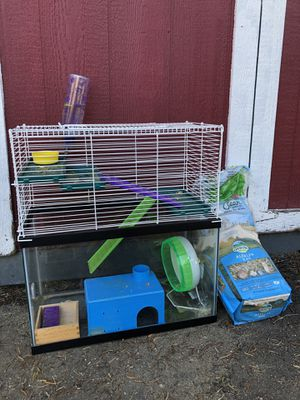 Hamster Cage with Bedding for Sale in Bellevue, WA