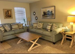 Living room,and sofa for Sale in Houston, TX