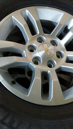 Michelin p265/65r18 energy saver a/s for Sale in Hilo, HI