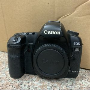 Canon EOS 5D Mark II Digital SLR Camera Body Only for Sale in Los Angeles, CA