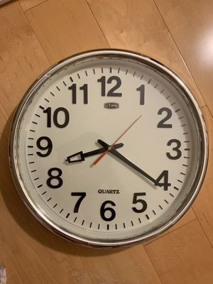 13'' Wall Clock for Sale in Irvine, CA
