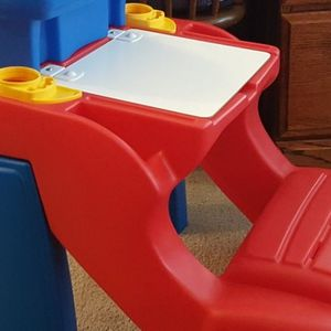 TODDLER STEP 2 DESK, PICK UP PUYALLUP for Sale in Puyallup, WA