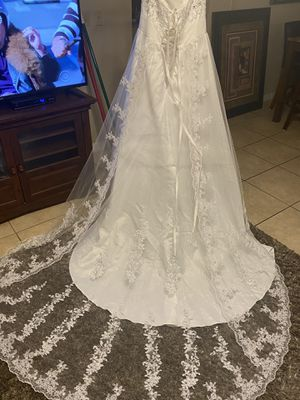 NWT Wedding Dress for sale! for Sale in Poinciana, FL