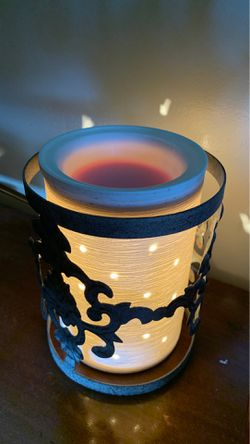 scentsy warmer for Sale in Wasco,  CA