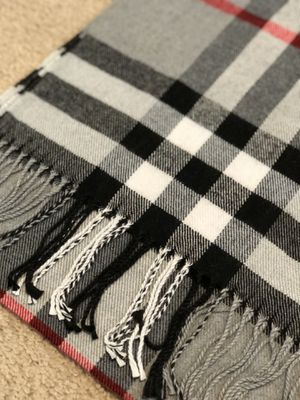 Luxury Designer inspired Cashmere scarf - plaid BB for Sale in West Henrietta, NY