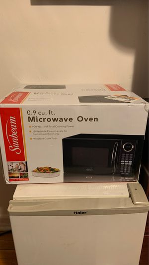 Brand New Sunbeam Microwave for Sale in New York, NY
