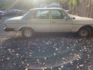 1983 Merdceds Benz 300 D for Sale in Hyattsville, MD