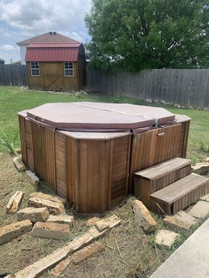 Hot tub ( big ) for sale! Works perfect for Sale in San Antonio, TX