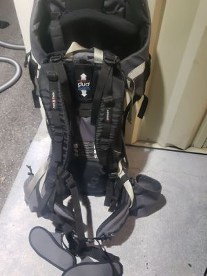 Phil & red baby child carrier for Sale in Brandon, FL
