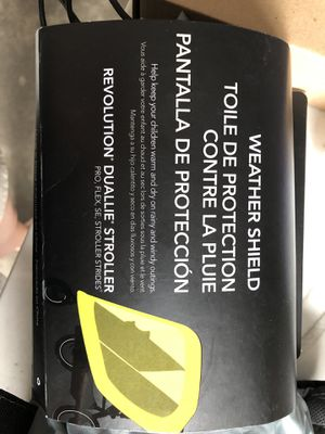 BOB double stroller weather shield for Sale in Chicago, IL