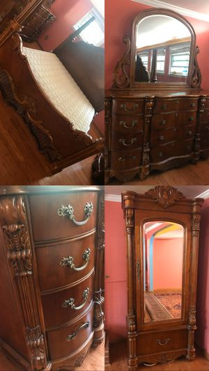 7 pc Dark Wood King Bedroom Set for Sale in Sterling, VA