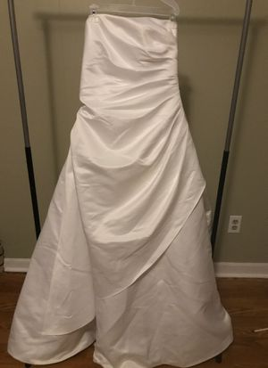 NWT White Wedding Dress size 16 for Sale in Graham, NC