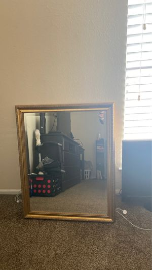 Wall mirror 32x26 for Sale in San Antonio, TX