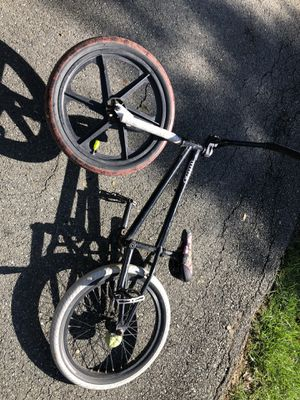 BMX FREESTYLE BIKE NO BRAKES (meant for tricks) custom built I want it out of the house no need for it anymore. Works perfectly fine just chains a li for Sale in Bethesda, MD